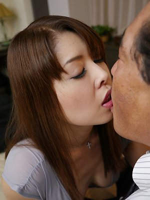 Shiho Tachibana fucked by old guy
