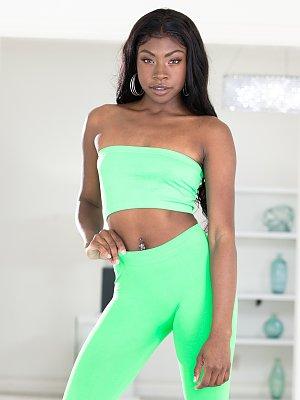 Hot Body Ebony Babe Fucked