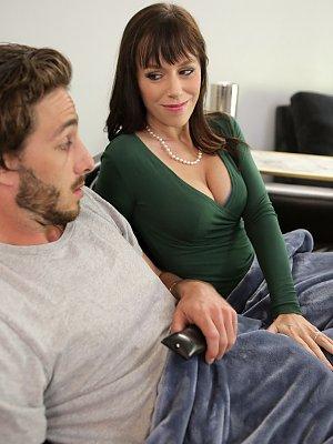Hot Wife Alana Cruise