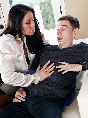 Hot Blowjob from a hot Mom
