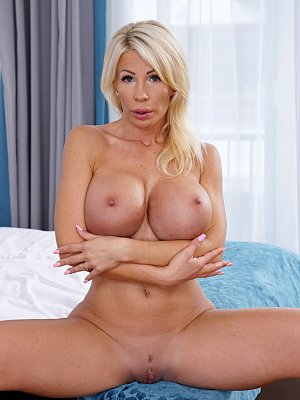 Busty Blonde Mature Tiffany Rousso