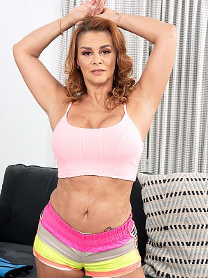 Latina Wife Juliett Russo