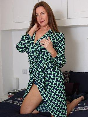 Hot Mature Wife Lara