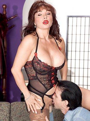 Hot Wife Vanessa Blowjob